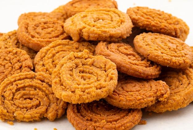 Indisches traditionelles snack chakli