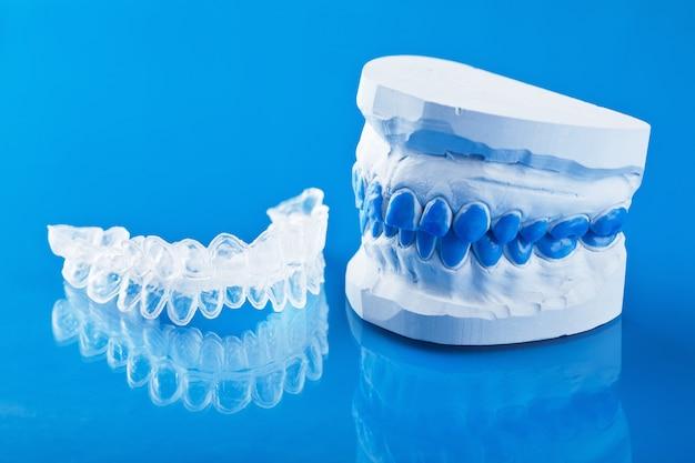 Individuelle zahnschale zum aufhellen und schimmel