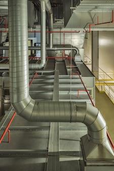 Industrielles luftkühlsystem und lüftungsrohre