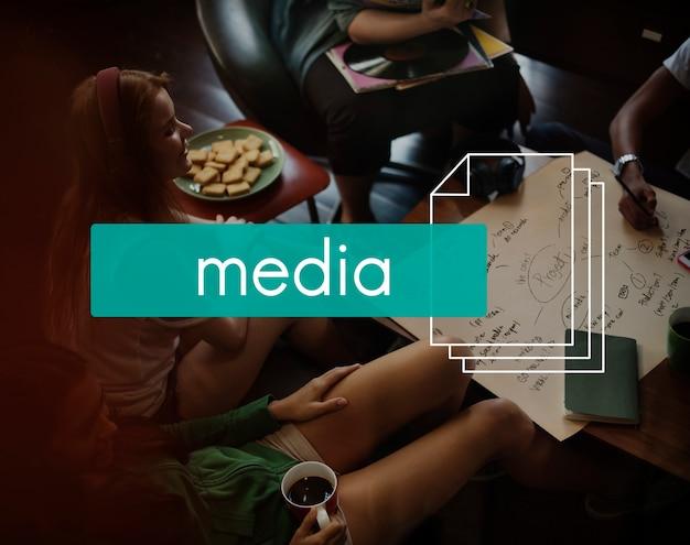 Information unterhaltung medien zeitschrift artisch