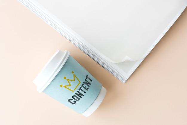 Inhalt geschrieben auf eine papierschale