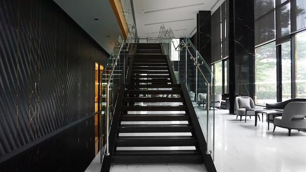 Innen- und außendekoration im luxusstil
