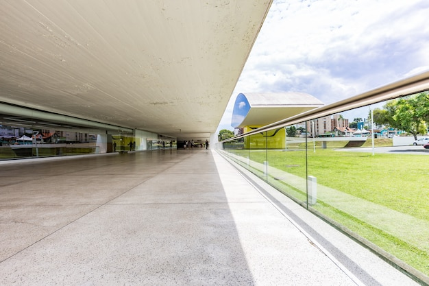 Innenansicht des oscar niemeyer museums