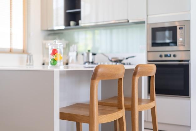 Innenarchitektur in villa haushaus wohnung und wohnung verfügen über küchentheke