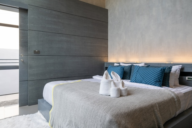 Innendachbodendesign im modernen schlafzimmer