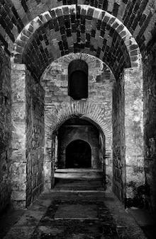 Innenraum der kirche von sankt nikolaus in demre, die türkei.