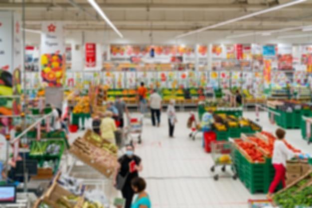 Innenraum des lebensmittel-supermarkt-weichzeichners
