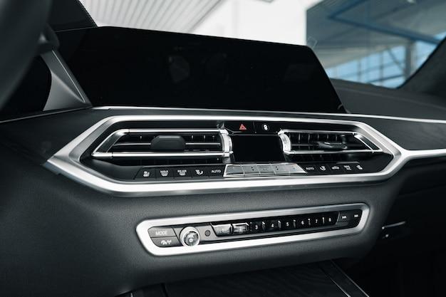Innenraum des neuen prestige-bequemen auto schließen foto oben