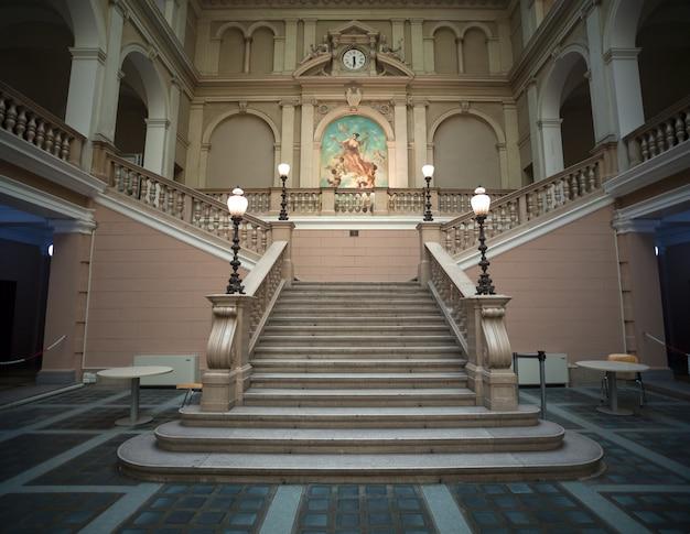 Innenraum des post- und telegrafiemuseums von mitteleuropa, triest