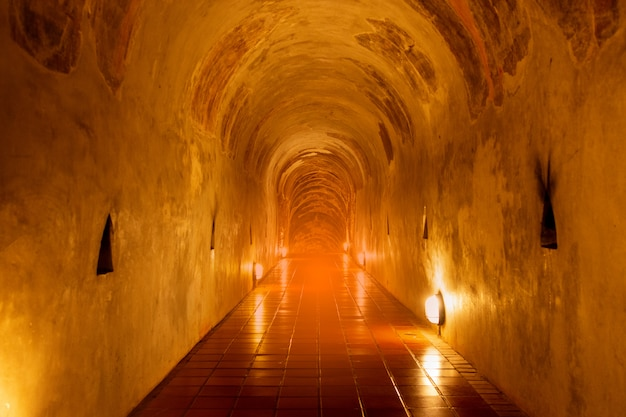 Innenraum des thailändischen tempels