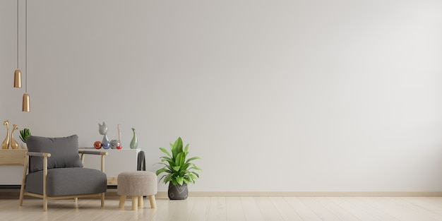 Innenraum eines hellen wohnzimmers mit sessel auf leerer weißer wand