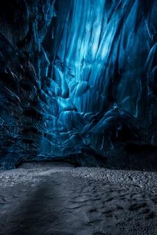 Innerhalb und eishöhle in island