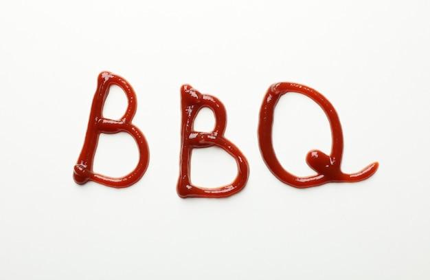 Inschrift bbq aus sauce auf weiß