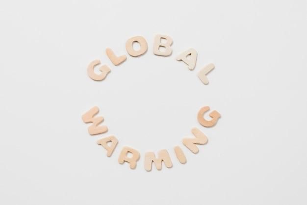 Inschrift der globalen erwärmung auf weißem hintergrund