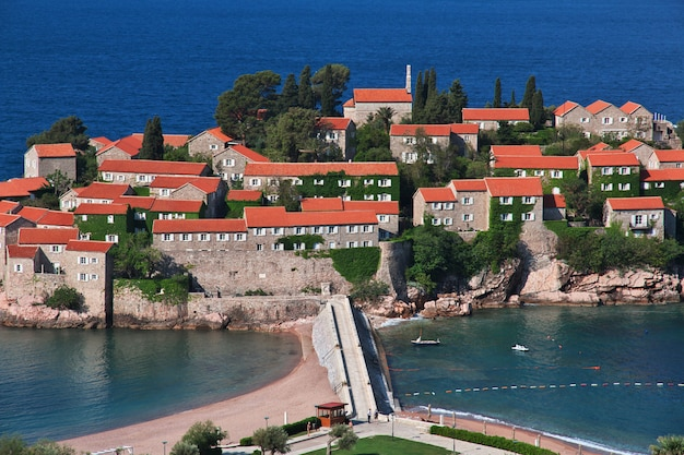 Insel sveti stefan im adriatischen meer, montenegro