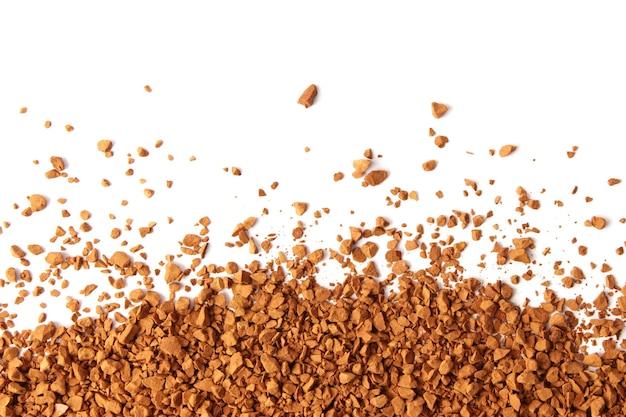 Instantkaffee isoliert auf weißem hintergrund. kaffee, kaffeegetränk. foto in hoher qualität