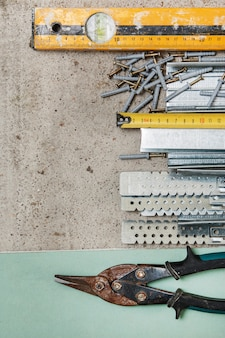 Instrumente zum bau von gipskartonwänden