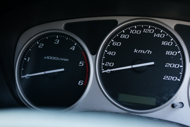 Instrumententafel des modernen autos
