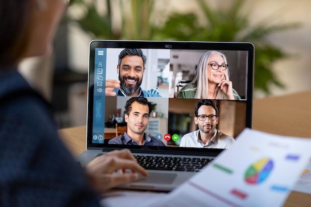 Intelligente arbeits- und videokonferenz