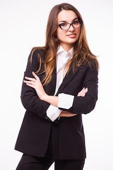 Intelligente geschäftsfrau mit brillenporträt lokalisiert auf weißer wand