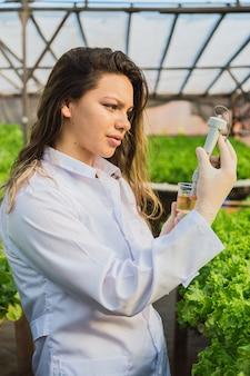 Intelligente landwirtschaft mit modernen technologien in der landwirtschaft