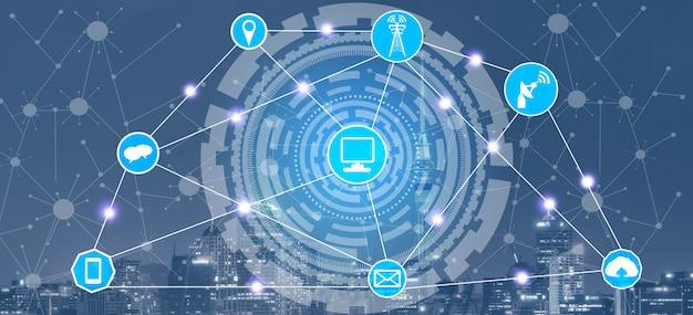 Intelligente stadtskyline mit ikonen des drahtlosen kommunikationsnetzes. konzept des iot-internets der dinge.