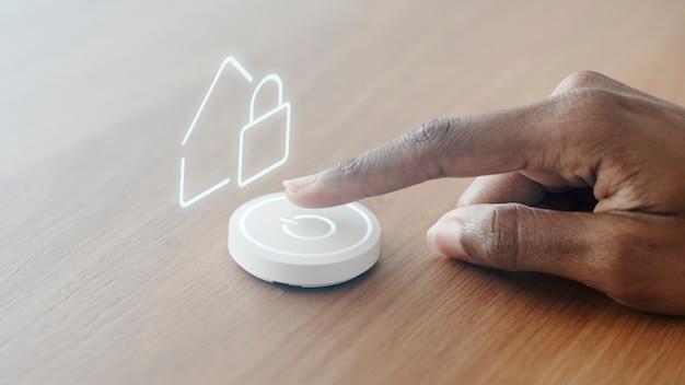 Intelligenter lautsprecher für die haussteuerung, innovative technologie