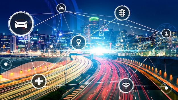 Intelligentes transporttechnologiekonzept für den zukünftigen autoverkehr auf der straße