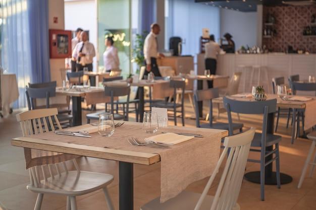 Interieur eines mediterranen restaurants in einem resort