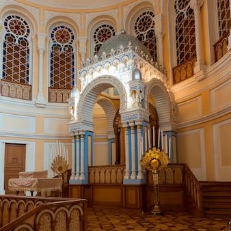 Interieurs der großartigen chorsynagoge, st petersburg, russland