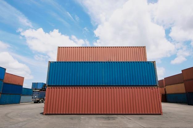 Internationaler container für den versand