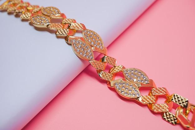 Iranische frauen goldarmband foto