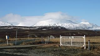 Isländische landschaft, schnee