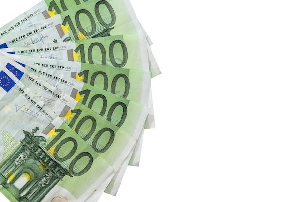 Isolierte 100-euro-banknoten isoliert