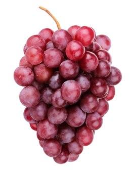 Isolierte trauben. bündel roter trauben lokalisiert auf einem weißen hintergrund mit einem beschneidungsweg. frische beeren.