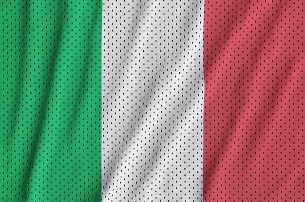 Italienische flagge, gedruckt auf einem sportswear-netzgewebe aus polyester-nylon