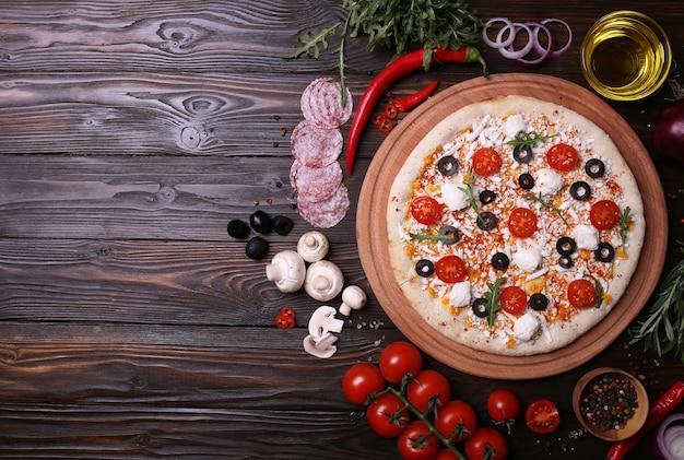 Italienische pizza mit den besten zutaten