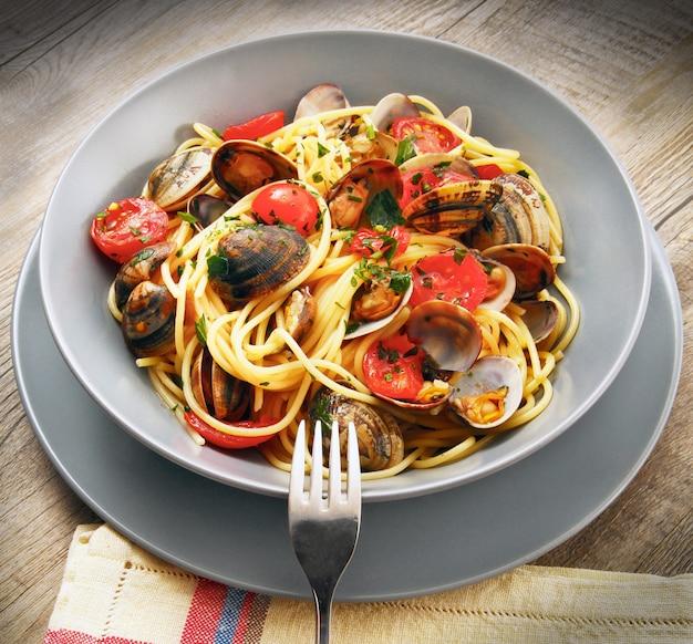 Italienische spaghetti mit muscheln