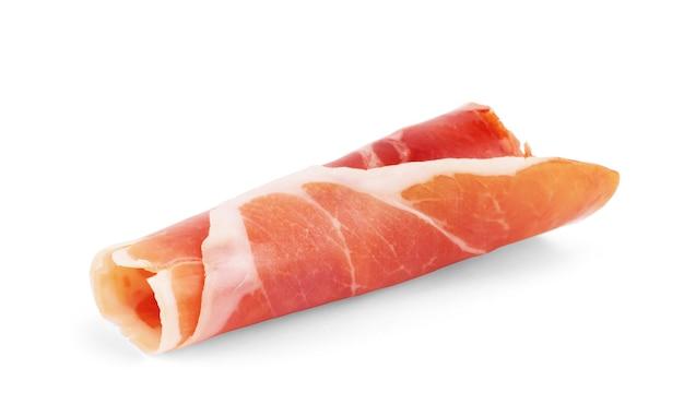 Italienischer prosciutto crudo oder jamon. roher schinken. isoliert auf weißem hintergrund