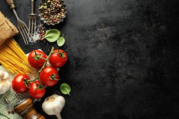 Italienisches essen mit zutaten