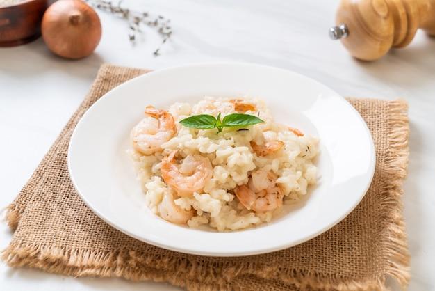 Italienisches risotto mit garnelen