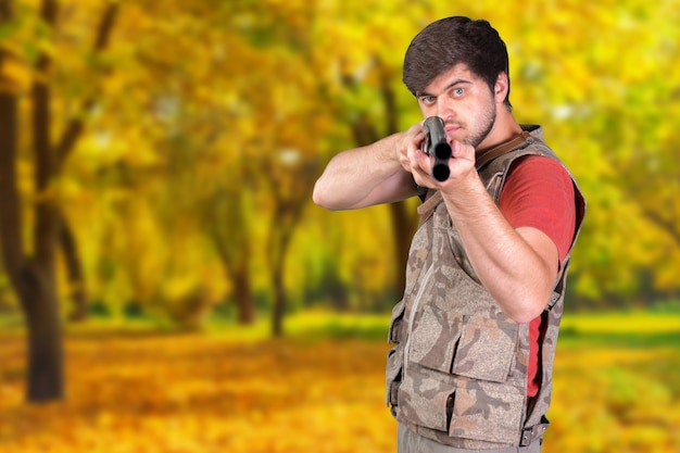 Jäger mit seinem gewehr