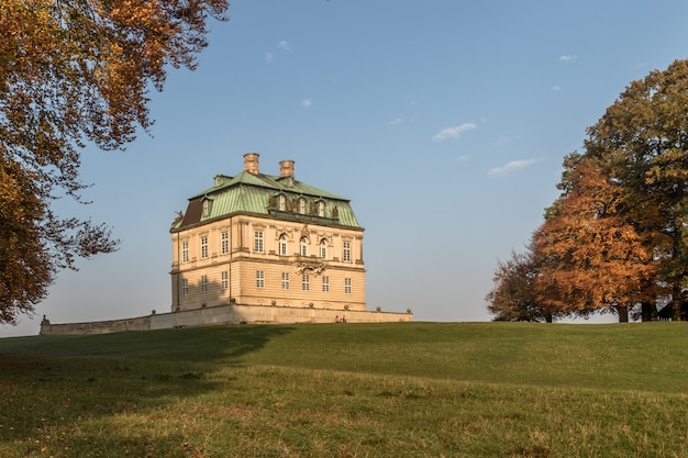 Jaegersborg dyrehave, dänemark - oktober 2018: eremitager jagdpalast