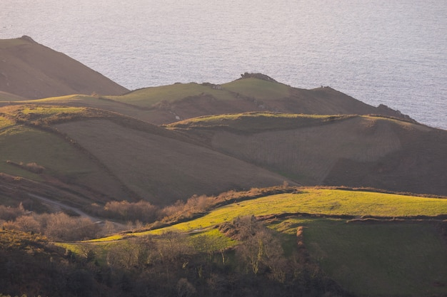 Jaizkibel-berg nahe bei der baskischen küste, baskenland.