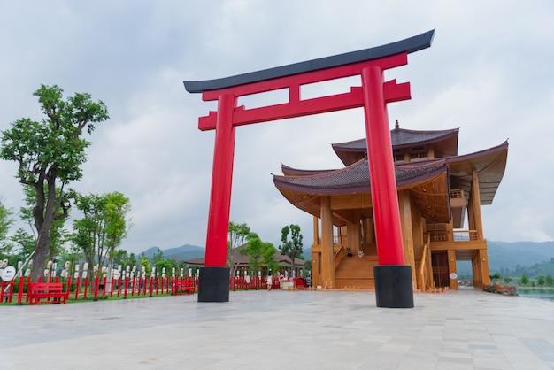 Japanische architektur im großen quadrat