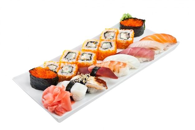 Japanische küche - sushi-rolle