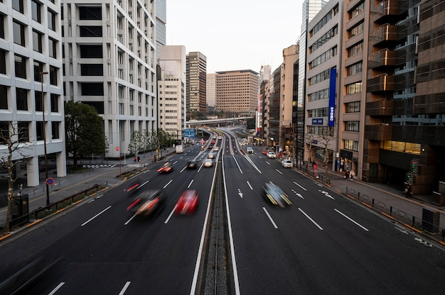 Japanische stadtlandschaftsautos