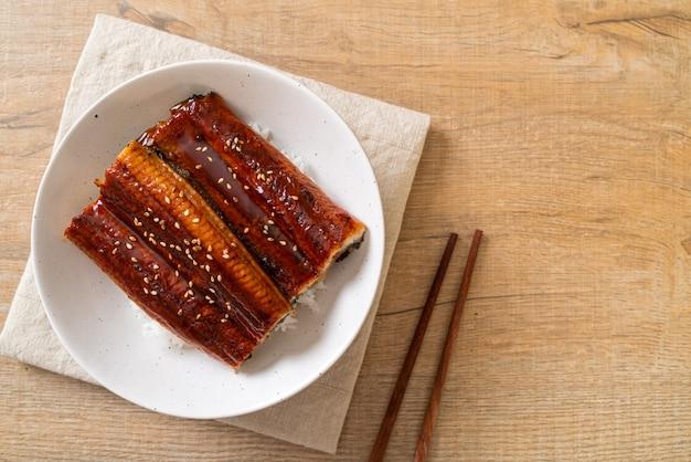 Japanischer aal, gegrillt mit reisschüssel oder unagi don - japanischer essensstil