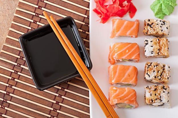 Japanisches essen - sushi und sashimi