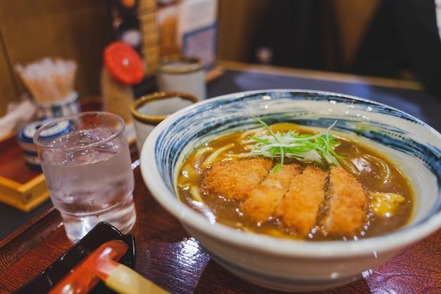 Japanisches katsu curry udon